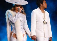 Beyonce, Verdiği Konserde Kıyafetleri ve Danslarıyla Büyüledi