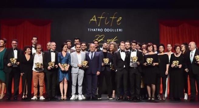 Yapı Kredi Afife Tiyatro Ödülleri görkemli bir törenle sahiplerini buldu